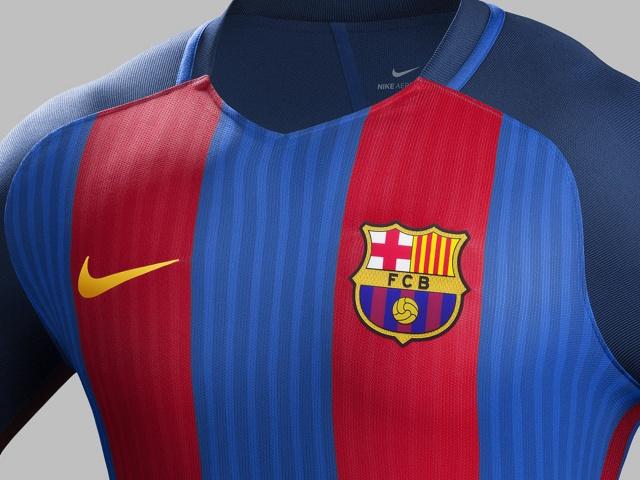 Barcelona apresenta uniforme para a temporada 2016 17  465c57676f2b0