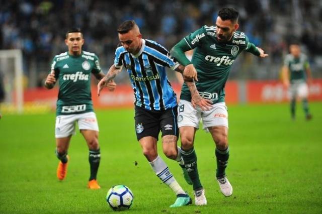 Grêmio cria pouco e perde para o Palmeiras na Arena  734e18add9e40