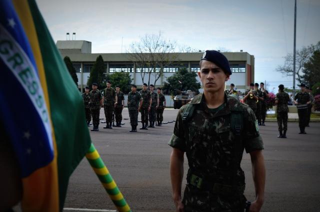 14º RCMec promove solenidade em homenagem ao Dia do Soldado  cb14ef9f86e